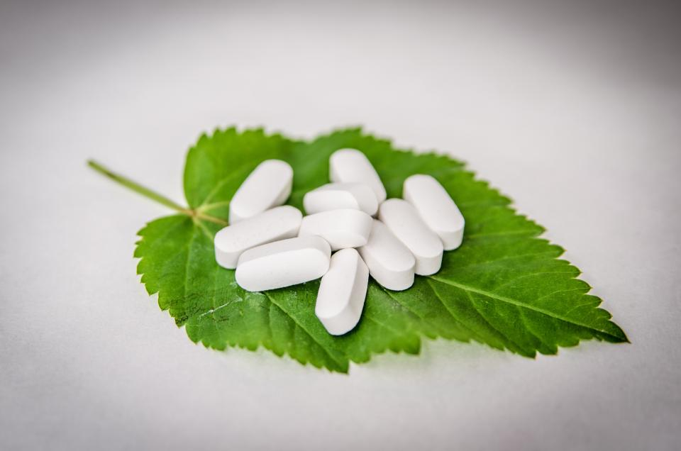 pills medicine medical pharmacy sick leaf tablets health