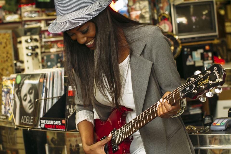 people woman guitar epiphone electric adele album vinyl music sound happy enjoy smile african american black