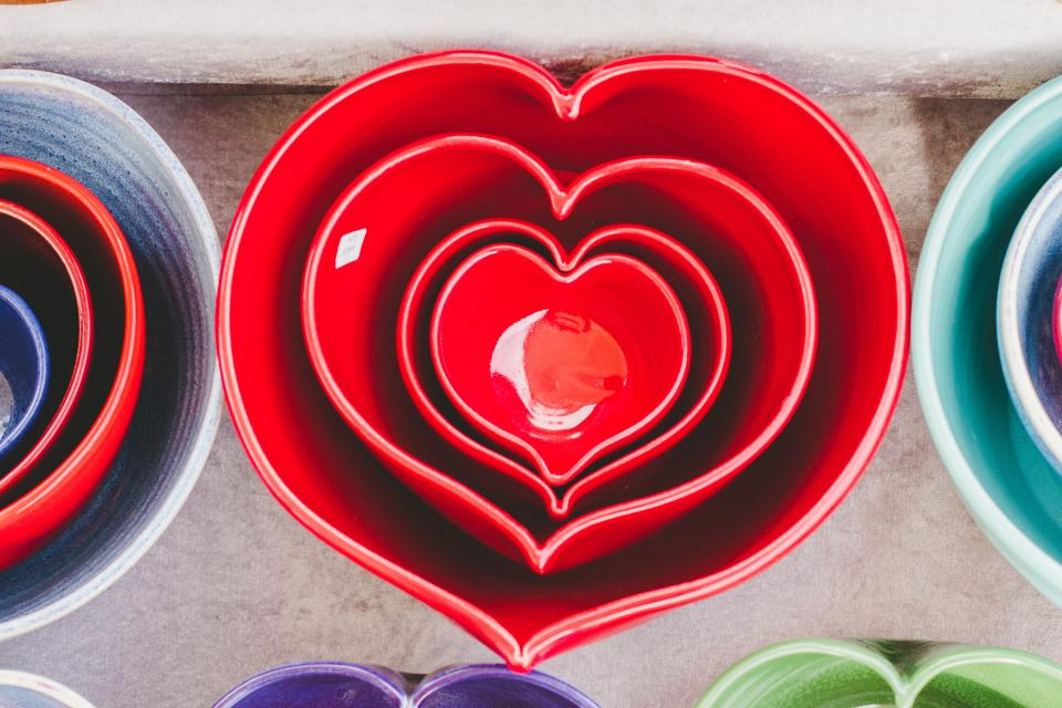 heart art shiny red mold shapes colorful ceramic bowl tableware kitchenware utensils
