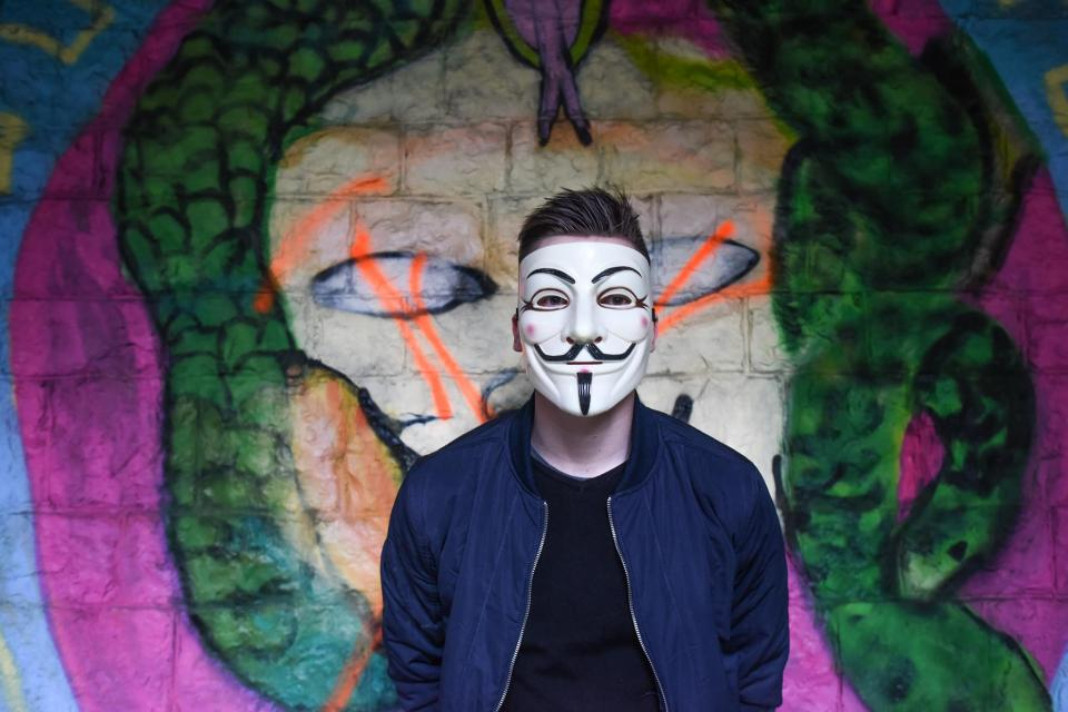 wall art mural painting graffiti people man mask