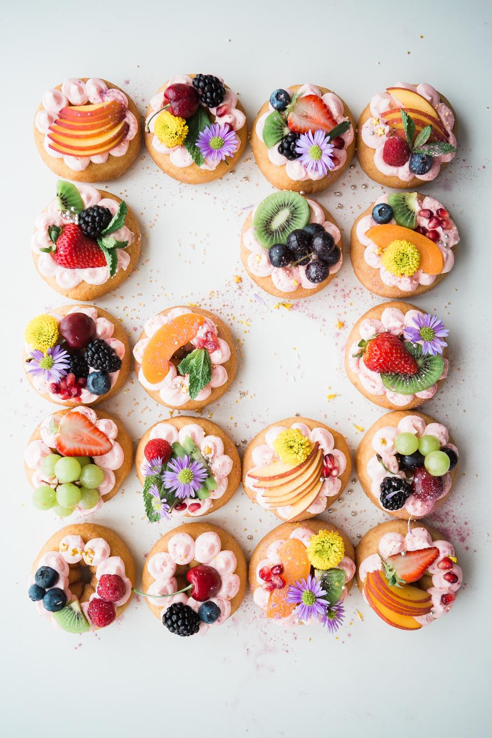 cupcake desserts sweets food fruits flower toppings