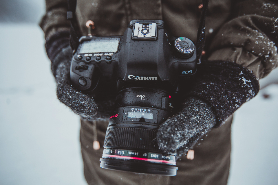 winter snow camera photographer photography photograph photo canon canon 5d lens cold snowing picture