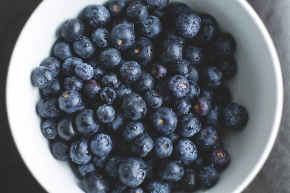 blueberries fruits food healthy bowl