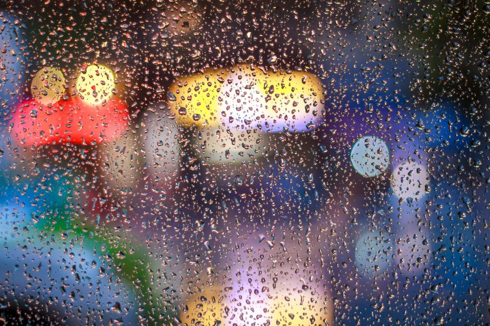 rain drops wet glass bokeh
