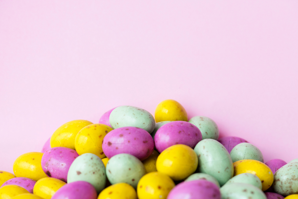 background ball bean bonbon candy candy background chocolate chocolate egg closeup cocoa color colorful colorful bean colors candy confectionery copy space decoration delicious design space diverse easter egg flavor food group isolated mixed past