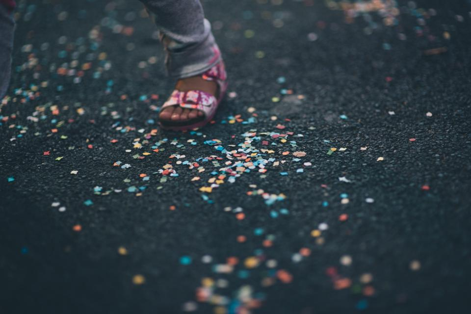 sandals footwear foot bokeh confetti party