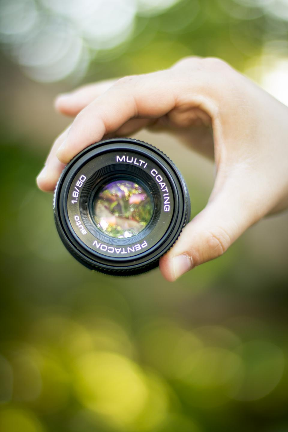 camera lens black photography bokeh hand