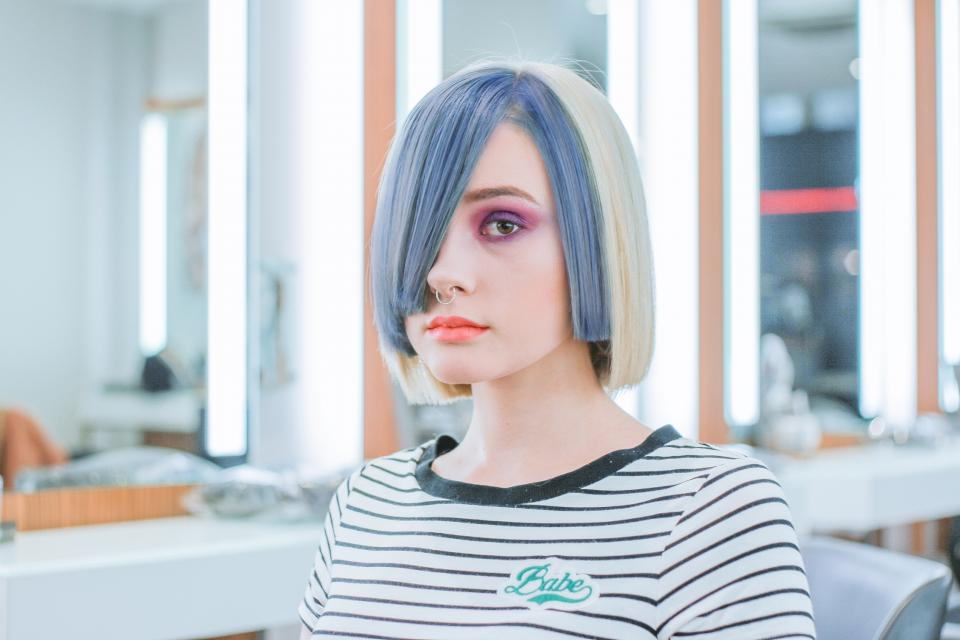 people girl hairstyle maircut color makeup beauty salon blur