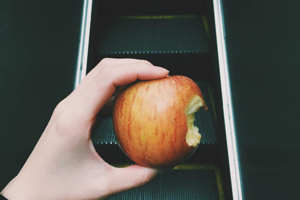 apple fruit food juicy hand escalator