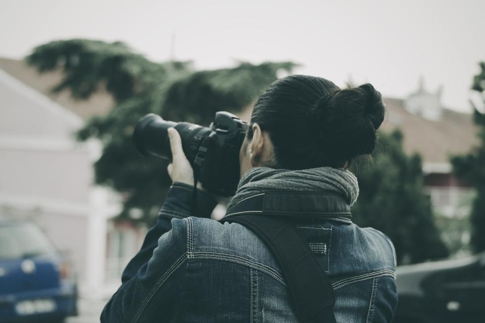 camera dslr black photography people woman photographer blur