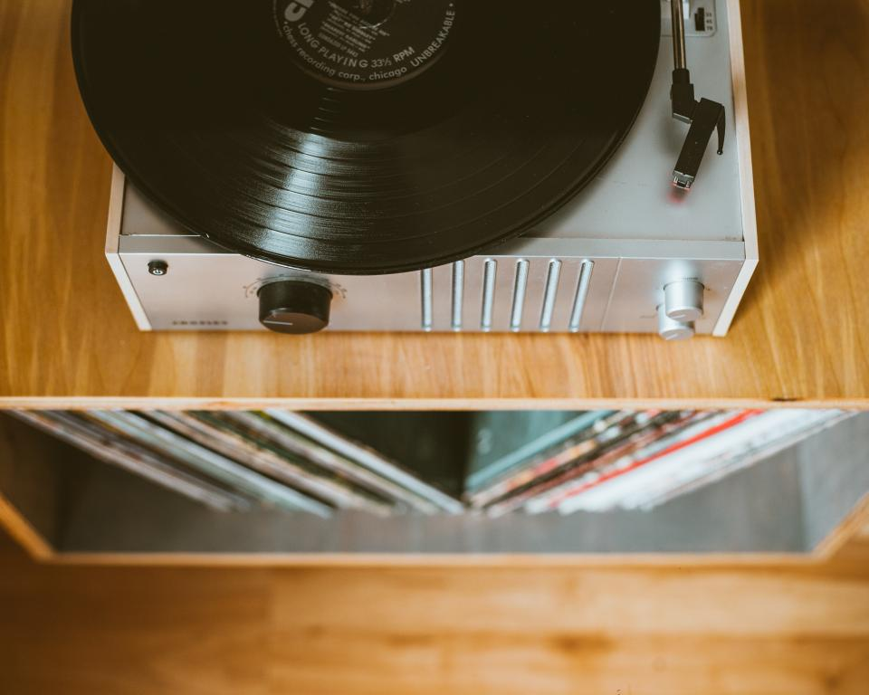 vinyl music sound old electronic technology record vinyl player aesthetic