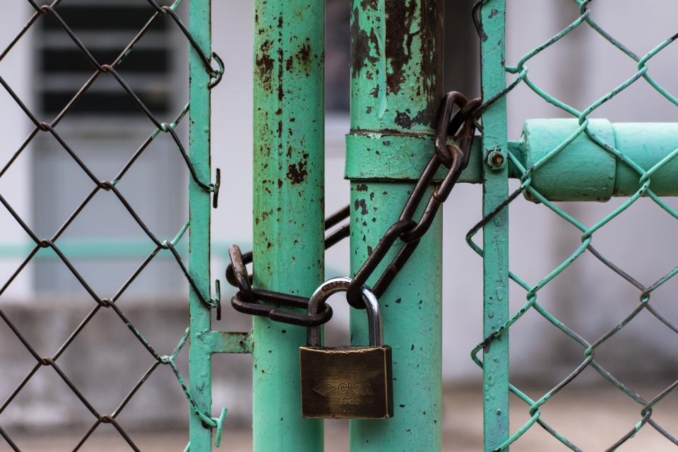 lock gate chain green wire secure rusty