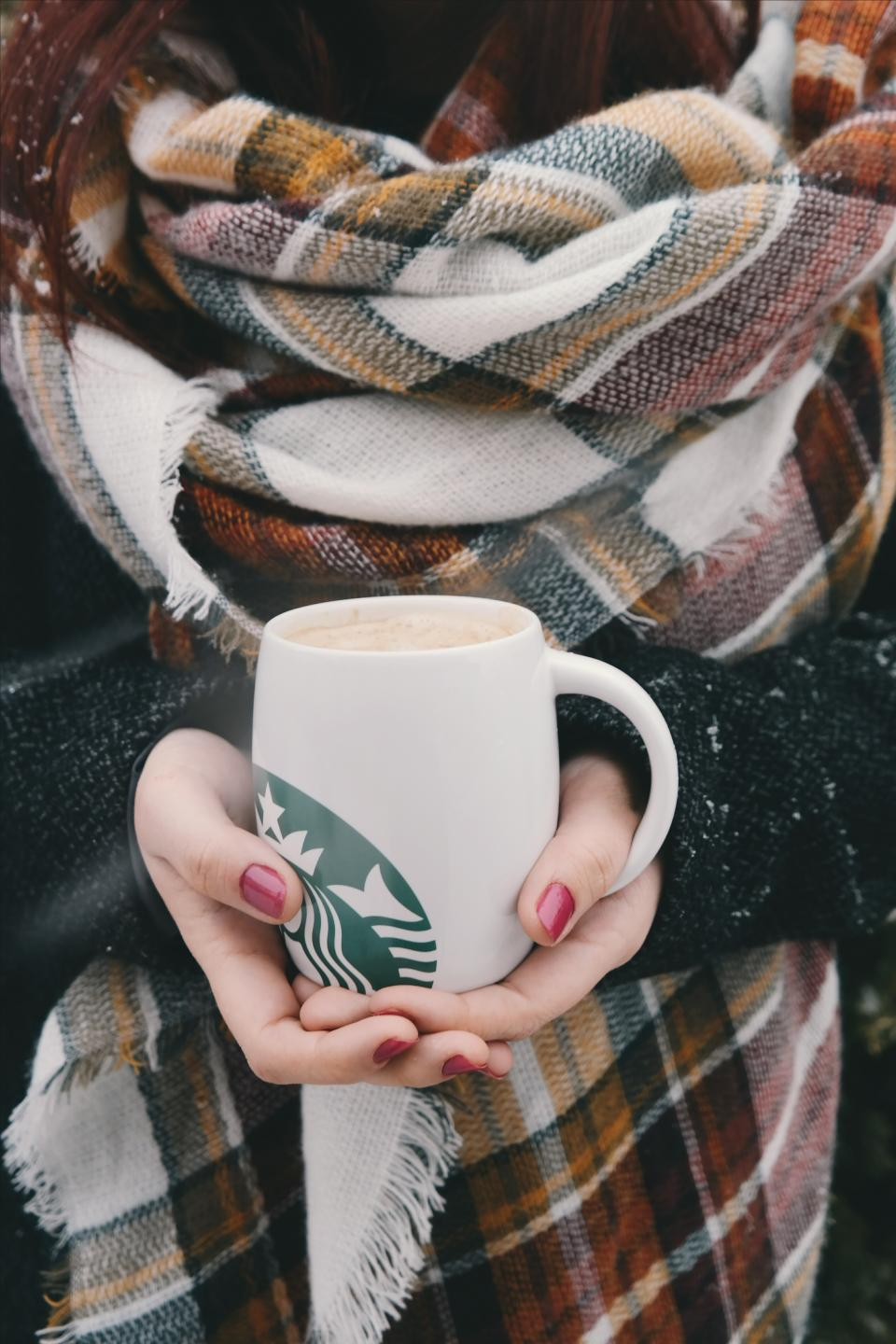starbucks coffee hot hands red manicure cold weather scarf