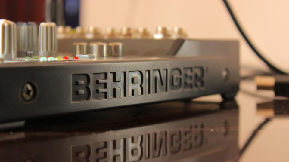 behringer product stereo amplifier sounds music electronics
