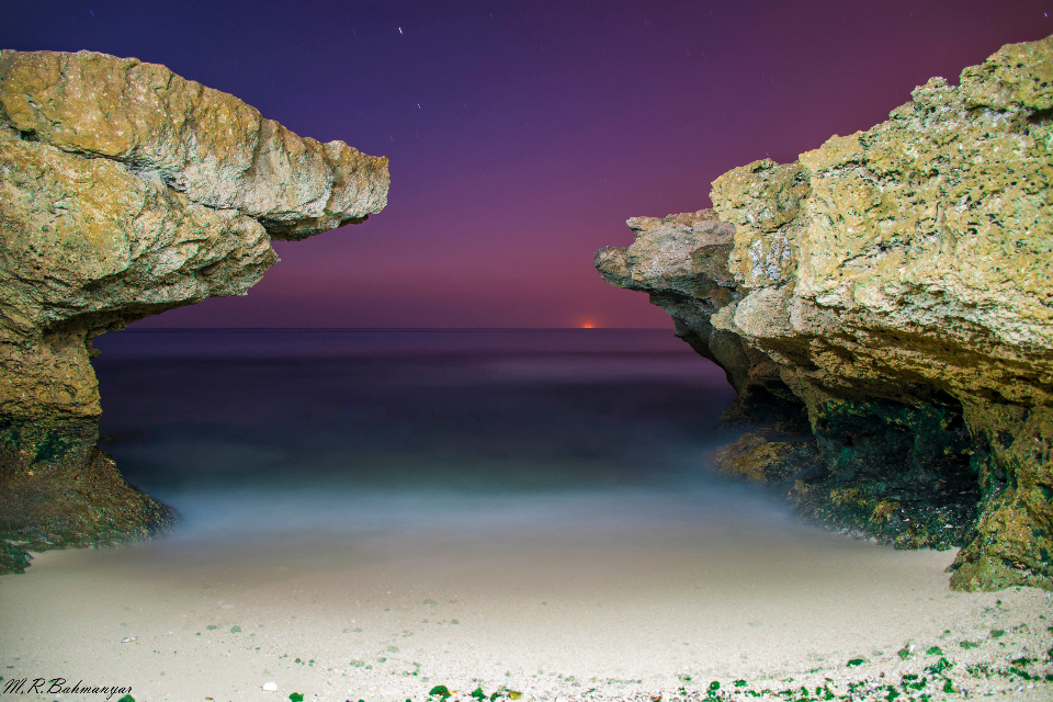 rock-view sea dusk sunset iran gulf beach sand purple red ocean water clear sky space stars