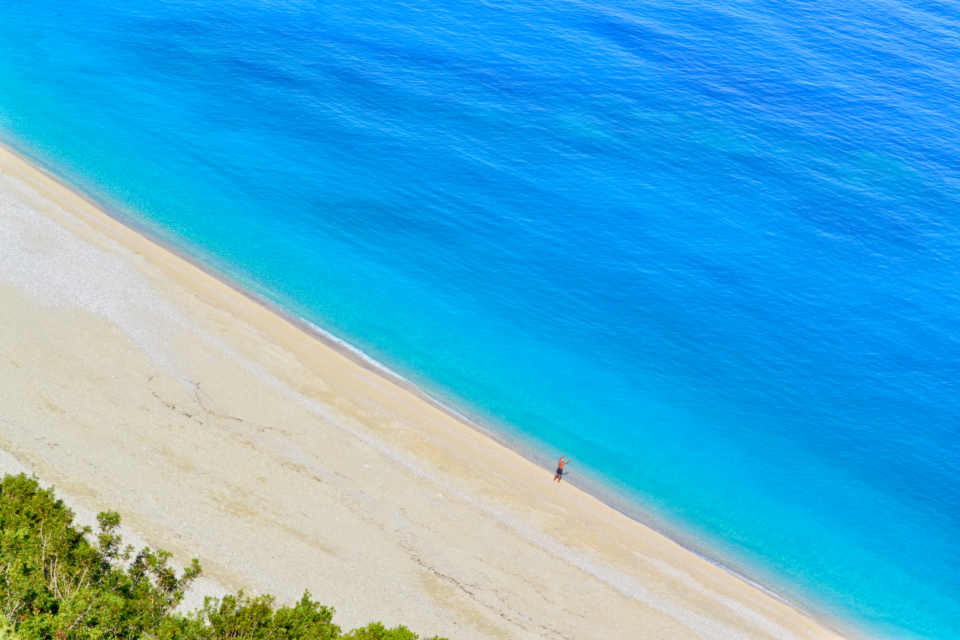 turquoise beach blue myrtos kefalonia island coastline destination greece nature paradise sand sea shore summer sunny touristic tropic water white azure cephalonia exotic idyllic landscape bay sun