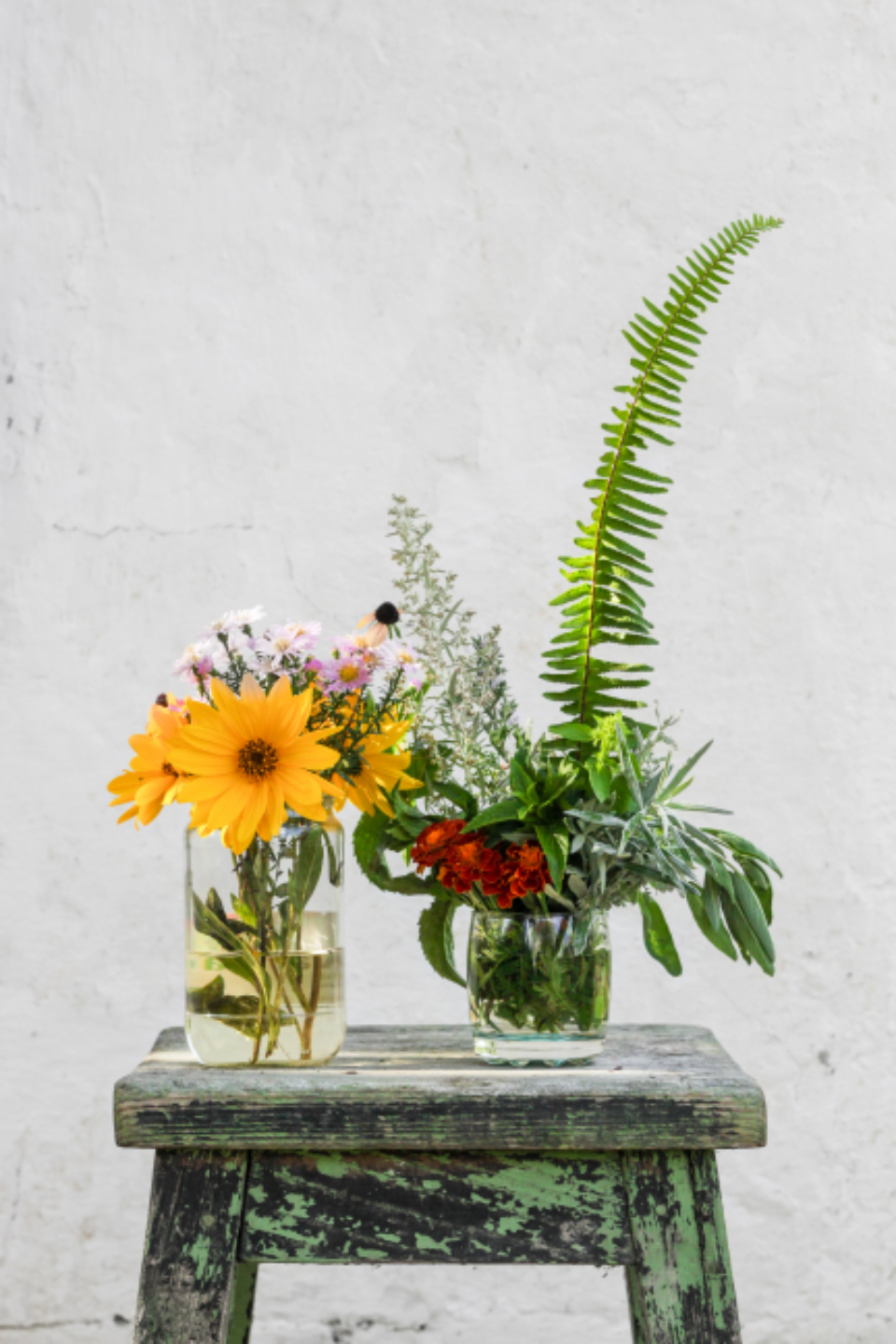 rustic flower arrangement vase background texture bouquet fresh garden summer spring natural organic seat beautiful bloom blossom botany composition decor design floral florist harvest
