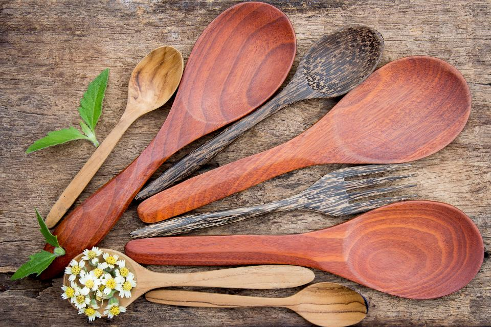 wooden ladle flower table