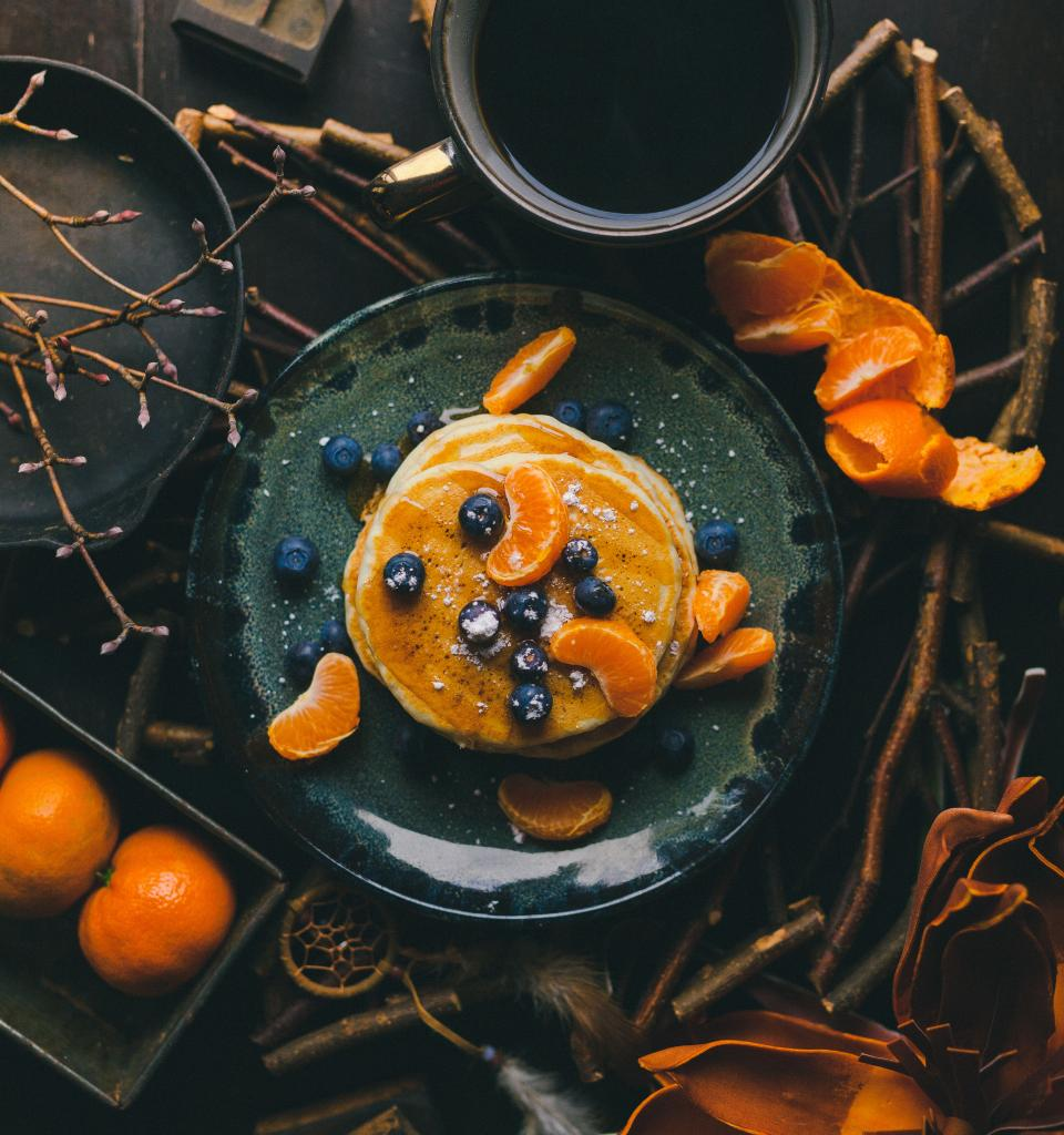 pancake orange fruit blueberry presentation plate dream catcher table