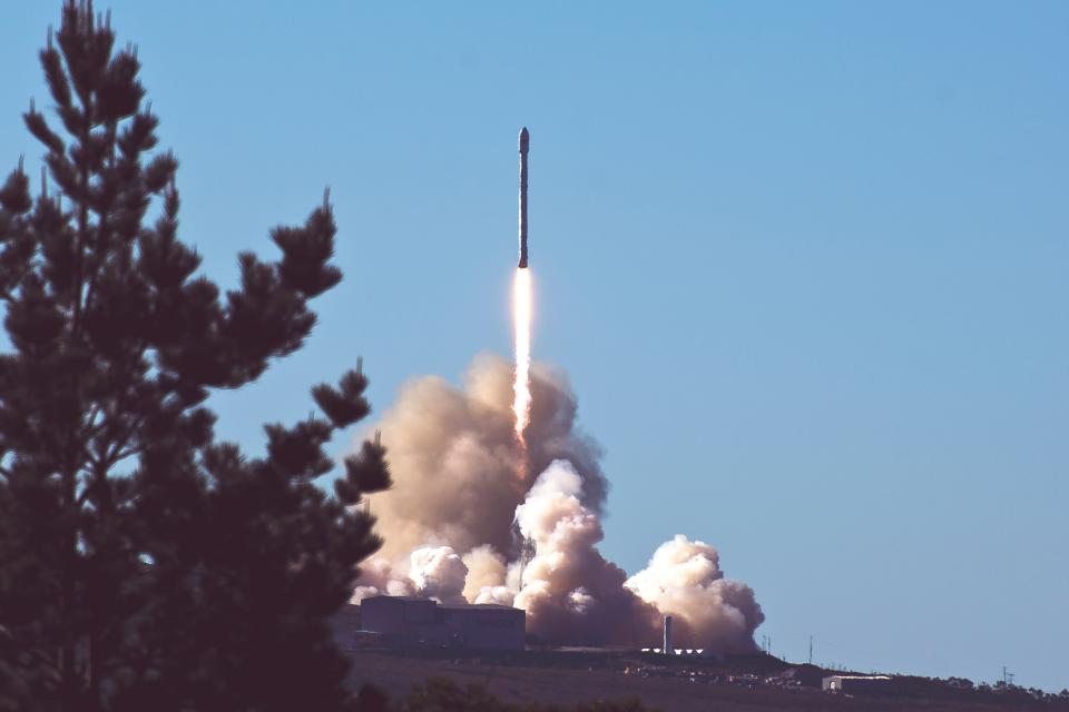 rocket smoke trees clouds sky missile spacecraft