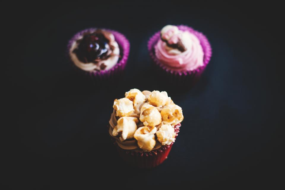 food eat gourmet cupcakes jam berries popcorn colors