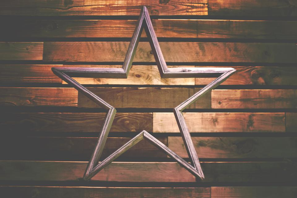 wooden wall star christmas season decoration art
