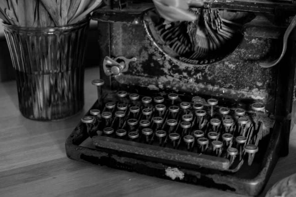 typewriter vintage oldschool black and white