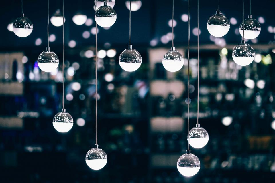 hanging wire ball decoration display art night dark light bokeh blur