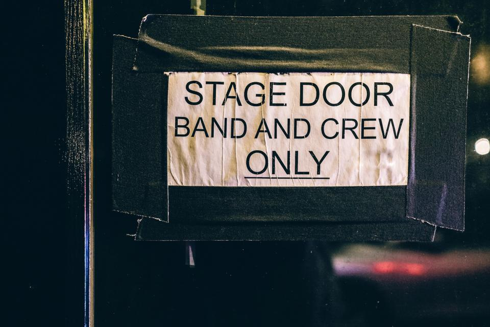 sign paper stick stage band message post