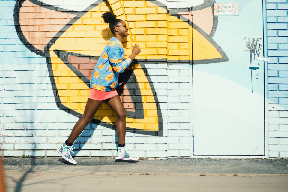 yellow blue mint converse run art gate door style blogger model fashion model style model summer spring