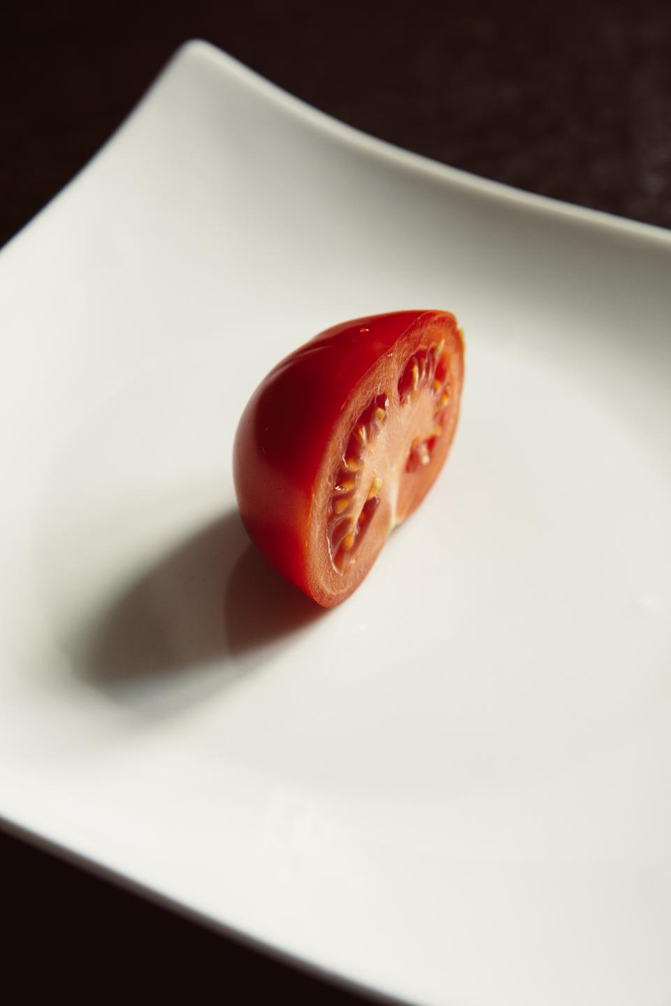 white plate red tomato food vegetable fruit