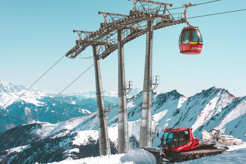 snow winter white cold weather ice trees plants nature travel adventure ski glide slope cable car ride hobby sport