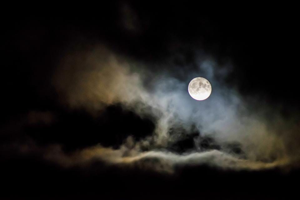 dark night sky cloud full moon bright light