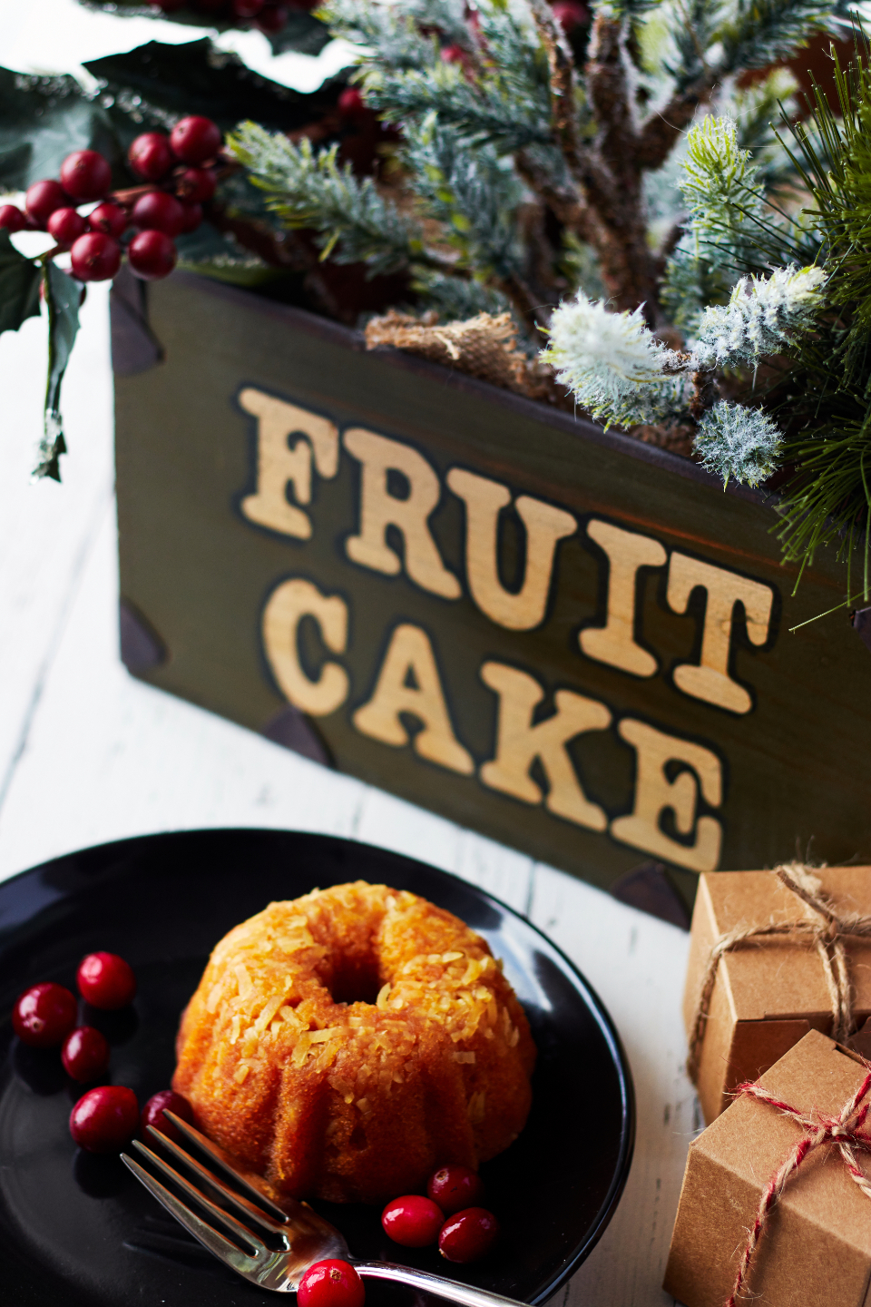 fruit cake christmas bakery berry cranberry gift food holiday festive fork plate xmas sweet dessert
