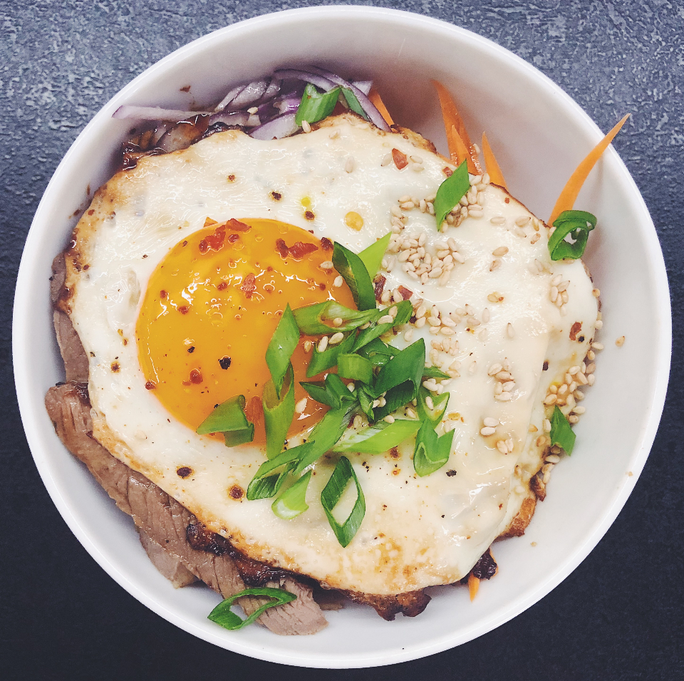 food asian cuisine donburi steak rice egg