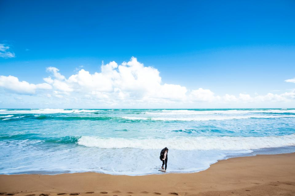 beach sand blue sky clouds ocean sea water wave nature people girl alone footprints horizon
