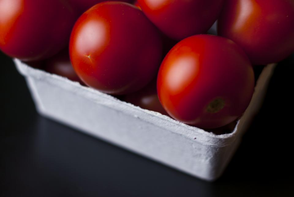 red tomatoes vegetables healthy food