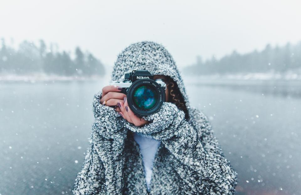 camera nikon lens black photography people woman girl photographer snow winter cold blur