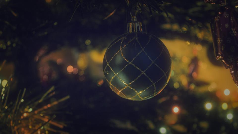 christmas tree ball decor ornaments lights bokeh blur