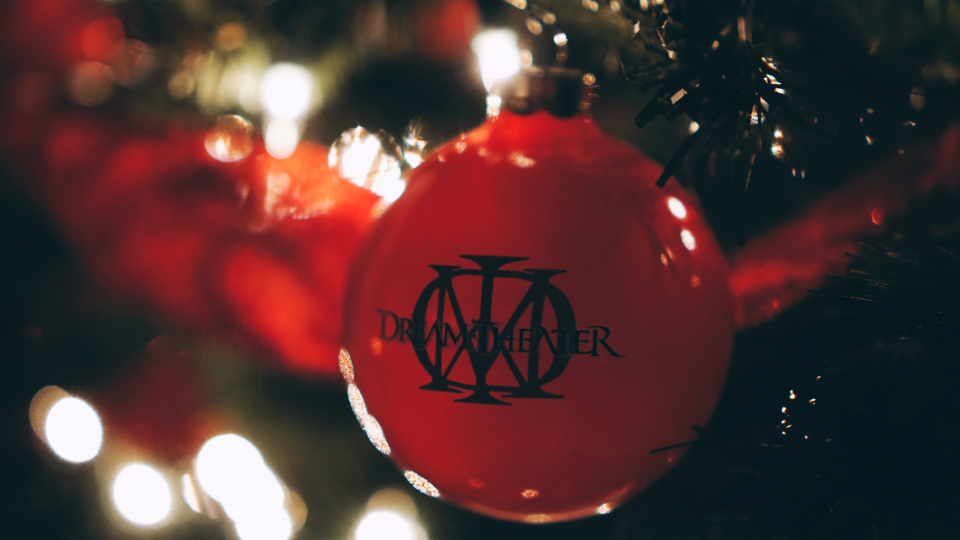 dream theater ornament red green tree christmas lights decoration