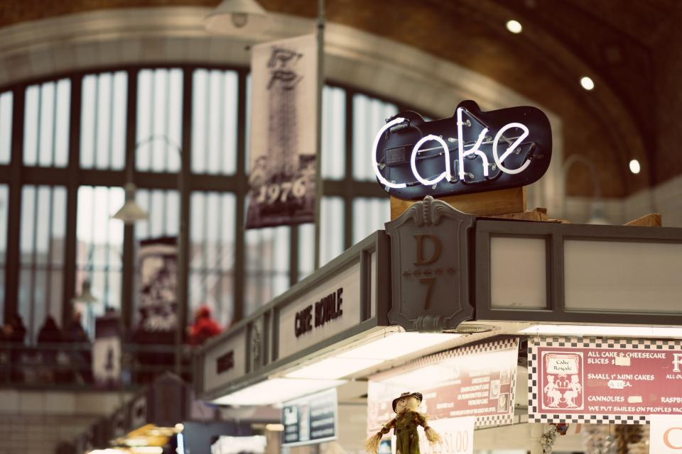 cake dessert bakeshop menu blur windows glass lights