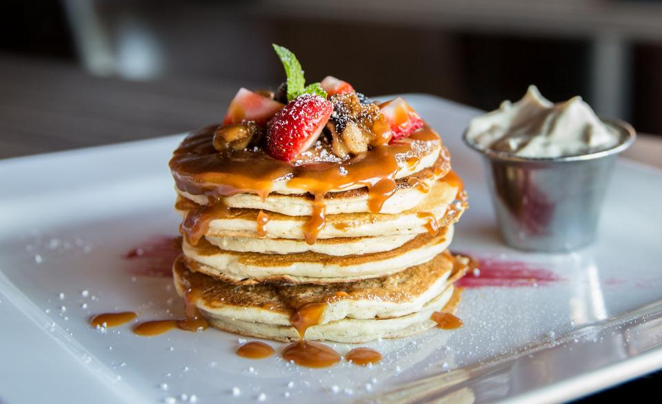 restaurant food gourmet pancakes fruits strawberries berries kitchen