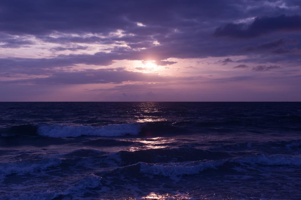 dark sunset sea ocean waves water nature beach coast shore cloudy sky clouds horizon