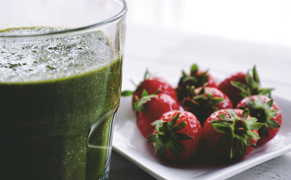 smoothie eating healthy healthy drink fruit strawberries green drinks glass food raw food natural food