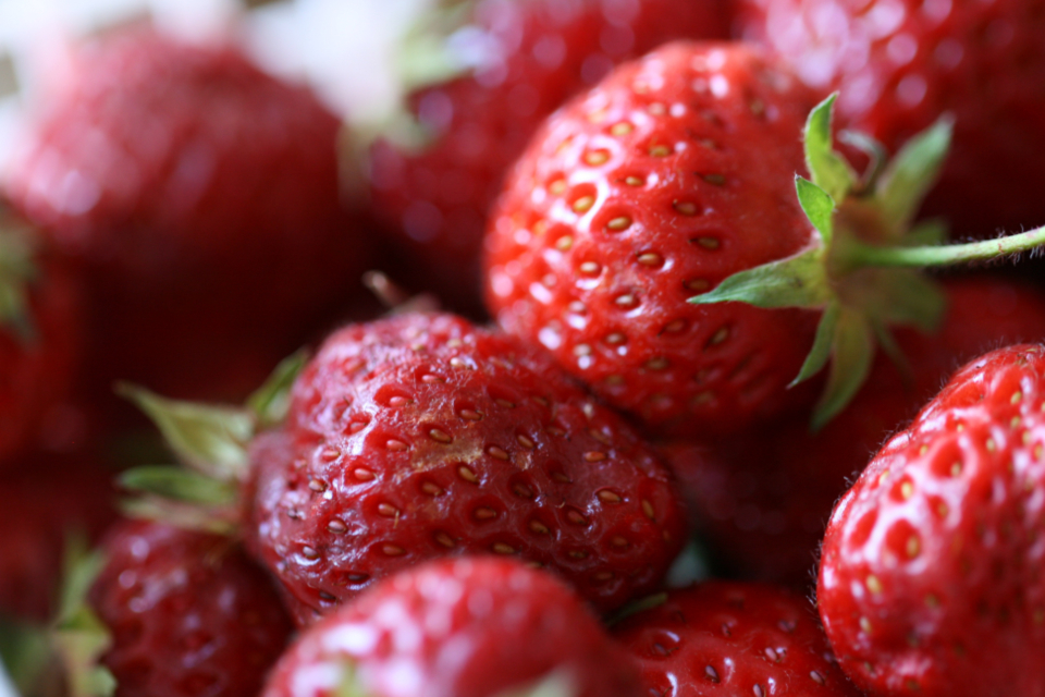 strawberries close up macro fresh fruit food red seeds organic sweet berry healthy background harvest