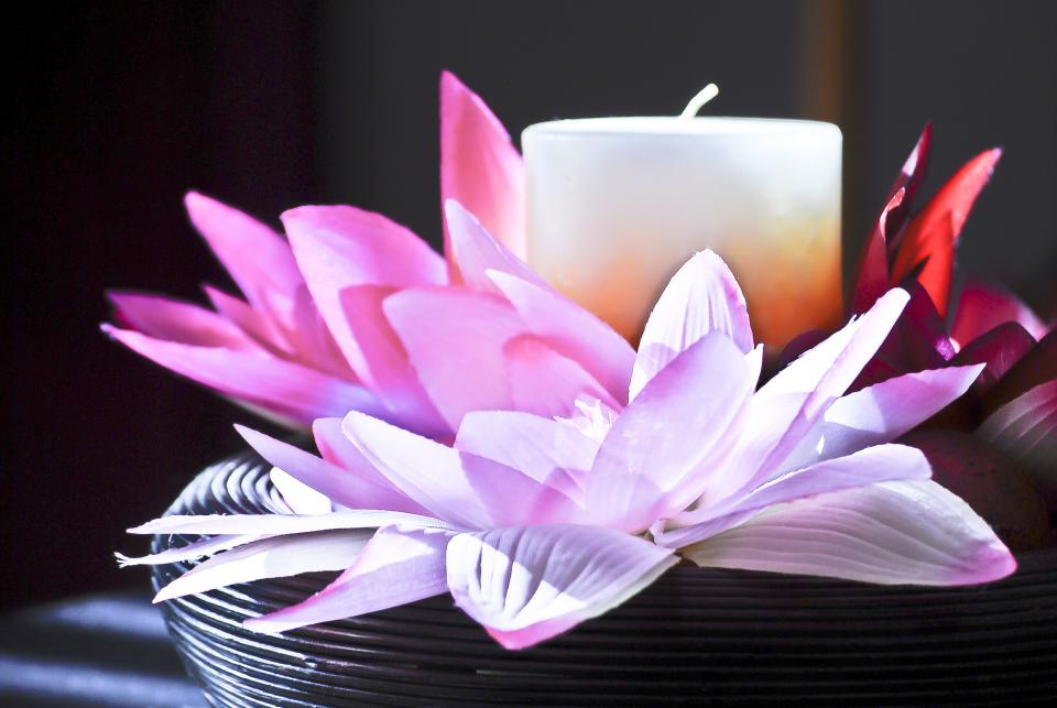 candle flower petals lavender wick decoration table pot center table