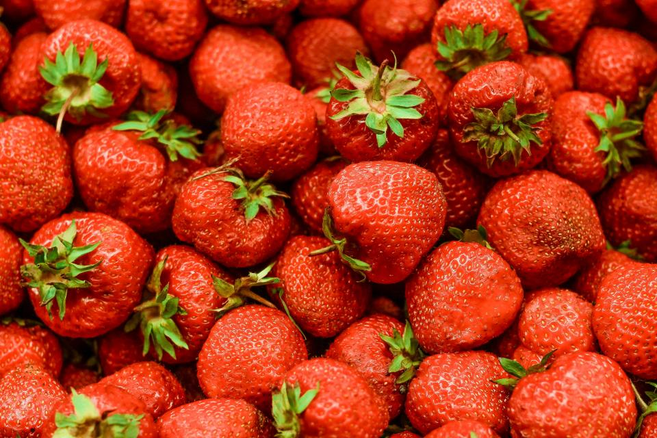 red fruit fresh harvest farm food strawberry desserts health