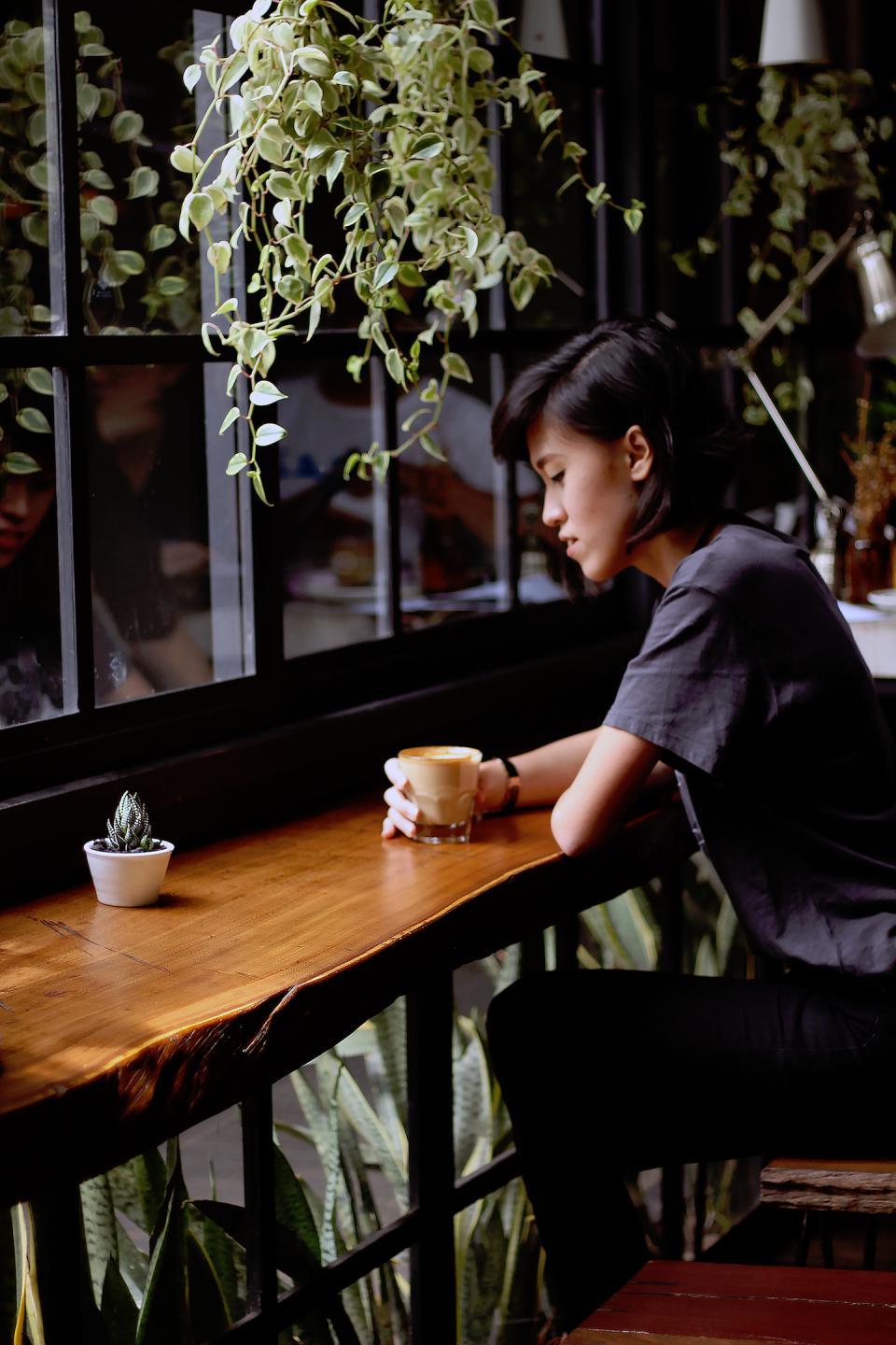cafe coffee plants people girl lady woman leaves