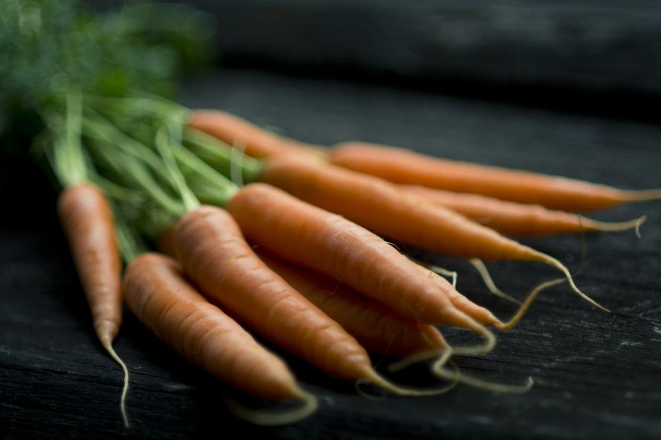food carrots produce healthy vegetables fresh orange crop