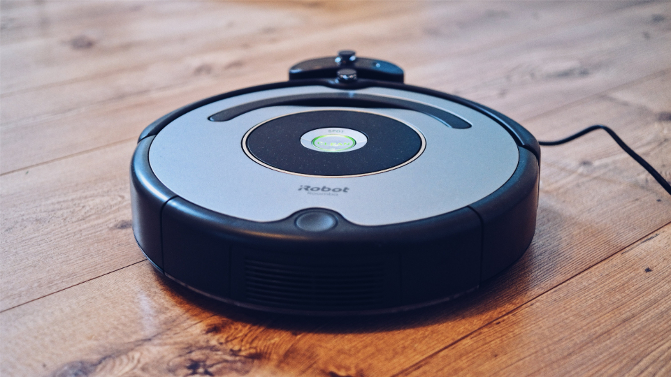 robot vacuum cleaner hoover floor clean dust ai round technology